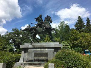 金森長近 銅像